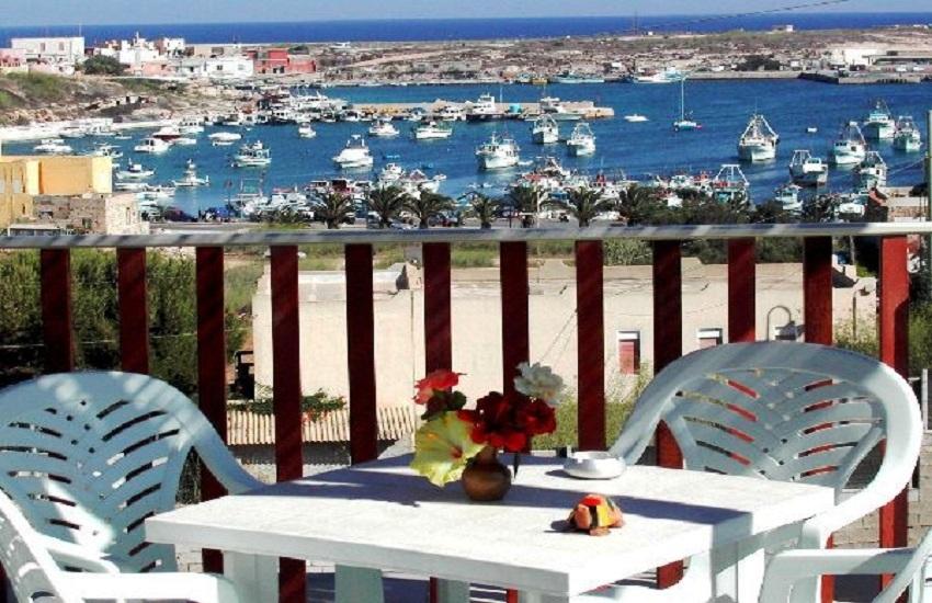 Emejing Soggiorno A Lampedusa Images - Idee Arredamento Casa ...