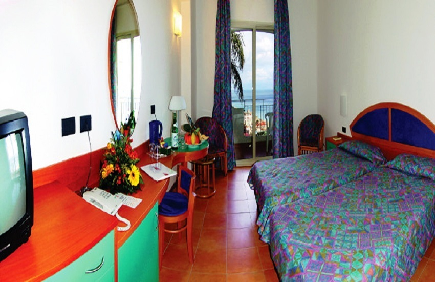 Letojanni - Antares Hotel   Viaggi Sicilia