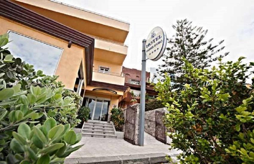 Giardini naxos hotel sabbie d 39 oro viaggi sicilia - Hotel sabbie d oro giardini naxos ...
